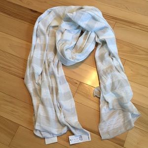 Lightweight knit scarf